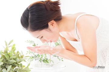 洗顔女性360